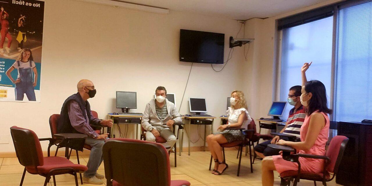 https://www.proyectojoven.org/wp-content/uploads/2021/09/proyecto-joven-2-voluntariado-foto-1280x640.jpeg